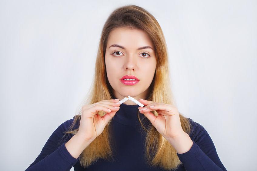 A dohányzásról való leszokás nőként is létfontosságú: a dohányzás nőket érintő negatív hatásairól